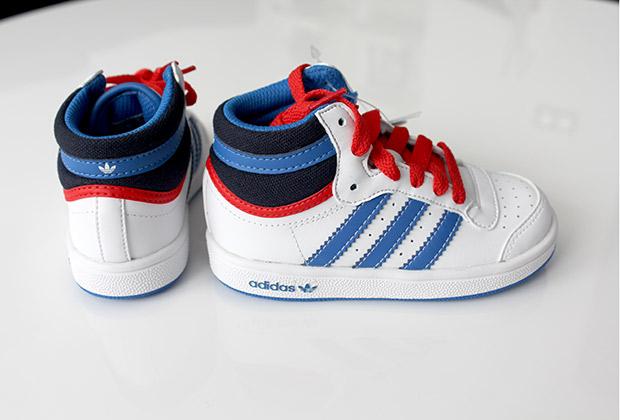 zapatilla de niño adidas