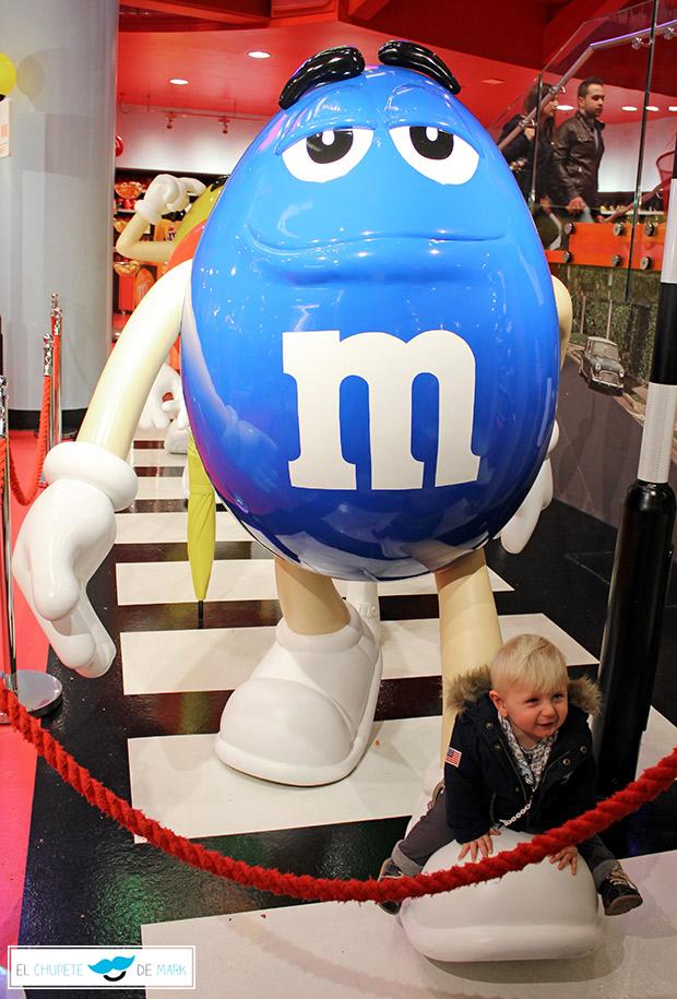 El chupete de Mark en la tienda de M&Ms en Londres