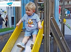 Outfit para bebés y niños: Con Pluto y Mickey Mouse