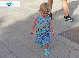 Outfit para bebés y niños: Paseando a 40 grados con El chupete de Mark