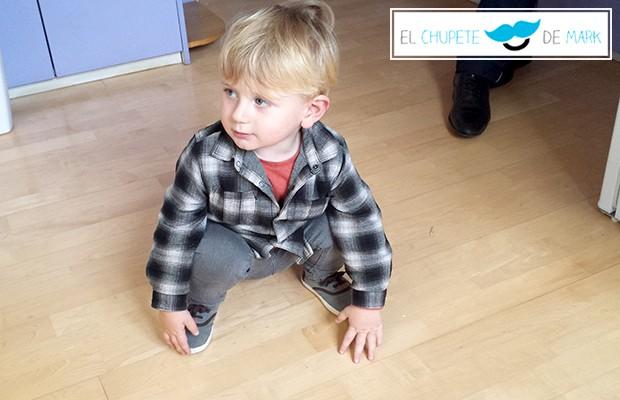 Outfit para bebés y niños: A cuadros! con el chupete de Mark