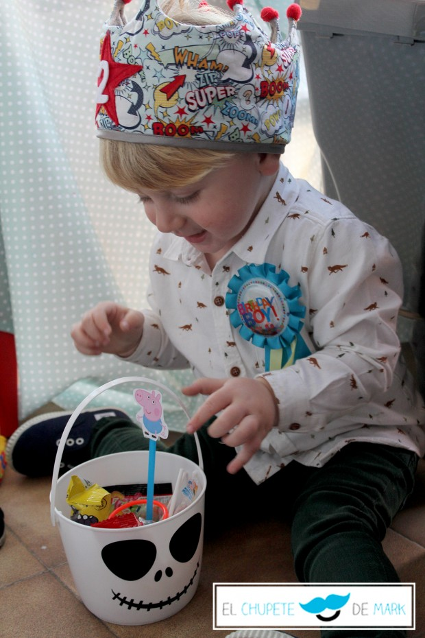Hoy 02/11/15 es el 2º cumpleaños de el chupete de mark.