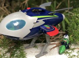 El chupete de Mark y la nave espacial de los PJ Masks de Bandai